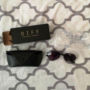 Diff- Cruz Sunglasses- NWT
